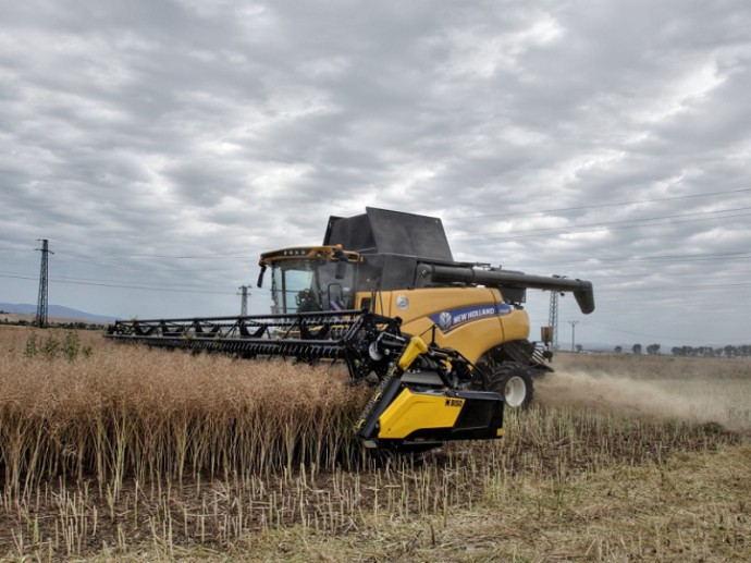 BISO Ultralight 1200 paired with New Holland CR9.80
