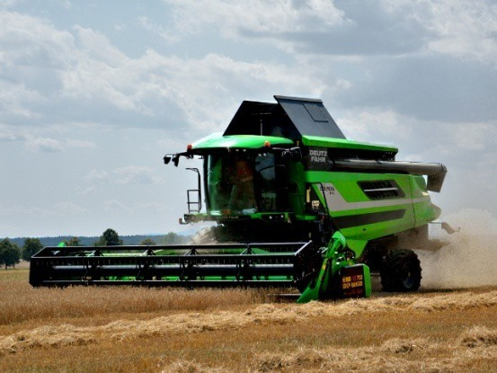 The first Deutz-Fahr C9206 TS combine harvesters with the BISO CropRanger